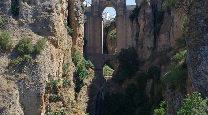 Ronda – die spanische Stadt vor einer imposanten Kulisse