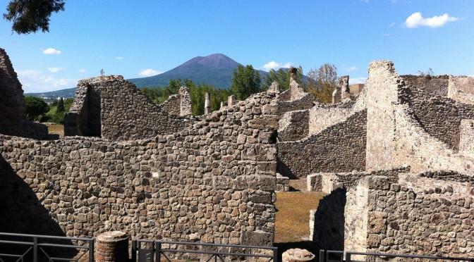 Einer der gefährlichsten Vulkane weltweit – der Vesuv am Golf von Neapel