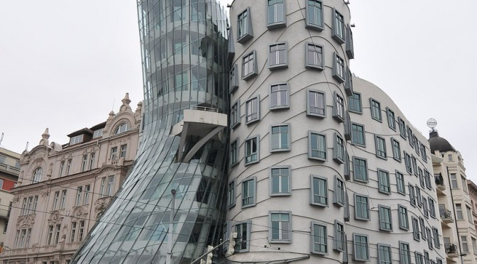 Moderne Architektur an der Moldau – das Tanzende Haus in Prag