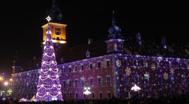 Der Weihnachtsbaum am Schlossplatz in Warschau